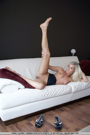 Waking up naked in someone elses house a - XXX Dessert - Picture 13