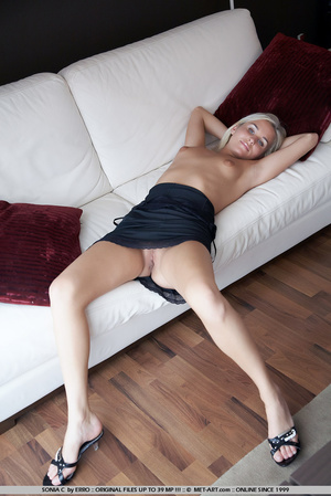 Waking up naked in someone elses house a - XXX Dessert - Picture 16