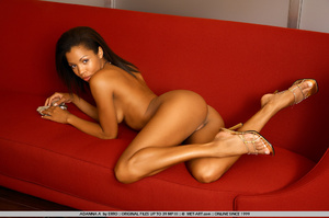 Beautiful model of color shows her wonde - XXX Dessert - Picture 7