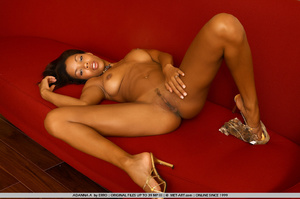 Beautiful model of color shows her wonde - XXX Dessert - Picture 11
