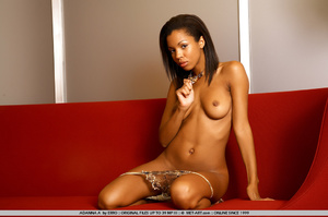 Beautiful model of color shows her wonde - XXX Dessert - Picture 15