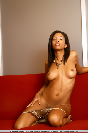 Beautiful model of color shows her wonde - XXX Dessert - Picture 16