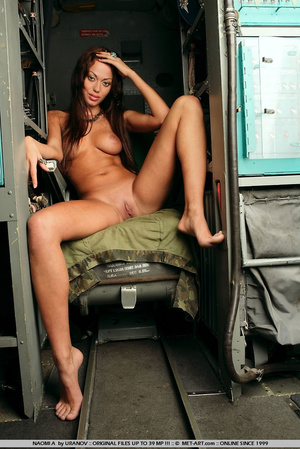 Brunette warrior princess is stripped nu - XXX Dessert - Picture 1