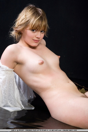 Young Amy is a new blonde model with inn - XXX Dessert - Picture 8