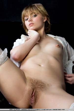 Young Amy is a new blonde model with inn - XXX Dessert - Picture 9