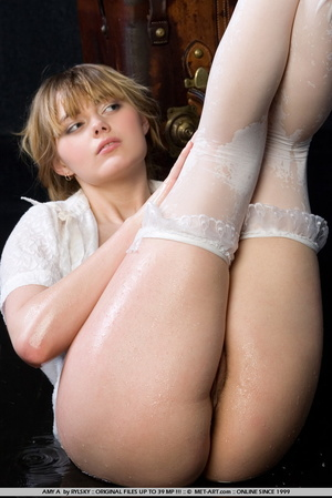 Young Amy is a new blonde model with inn - XXX Dessert - Picture 11