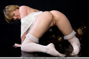 Young Amy is a new blonde model with inn - XXX Dessert - Picture 13