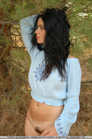 Dramatic new model has big dark hair and - XXX Dessert - Picture 5