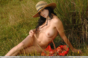 Big breasts and dark hair and an open fi - XXX Dessert - Picture 19
