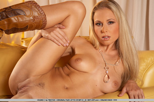 Homely looking blonde with great shape s - XXX Dessert - Picture 8