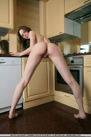 She is a wonder on the cams , moving and - XXX Dessert - Picture 2