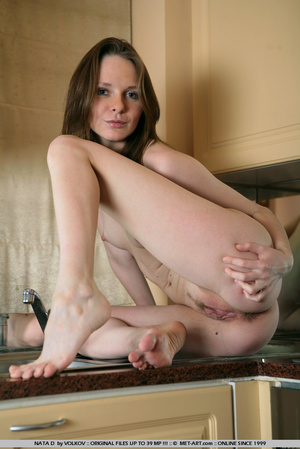 She is a wonder on the cams , moving and - XXX Dessert - Picture 9