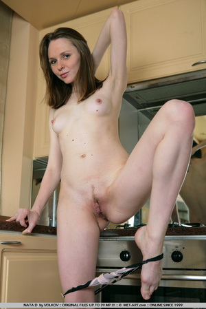 She is a wonder on the cams , moving and - XXX Dessert - Picture 11