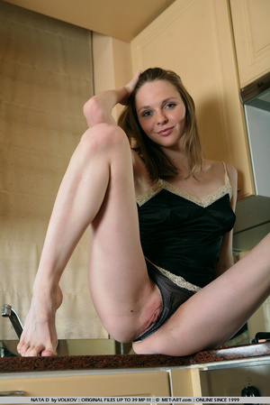 She is a wonder on the cams , moving and - XXX Dessert - Picture 19