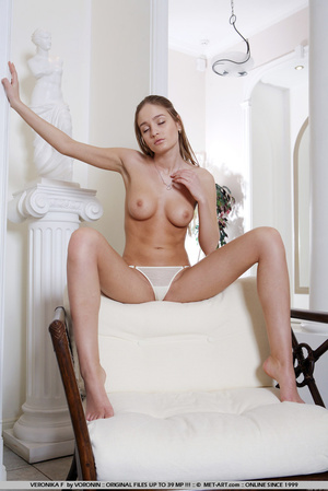 Completely sensual and beautiful Veronik - XXX Dessert - Picture 4