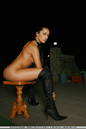 Tall dark haired bombshell is completely - XXX Dessert - Picture 2