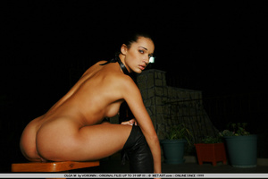 Tall dark haired bombshell is completely - XXX Dessert - Picture 3