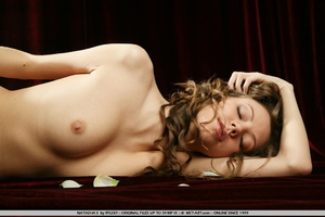 Russian model with big brown curls and s - XXX Dessert - Picture 1