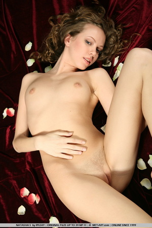 Russian model with big brown curls and s - XXX Dessert - Picture 3