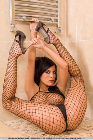 Nella is in the bath room with some sexy - XXX Dessert - Picture 18