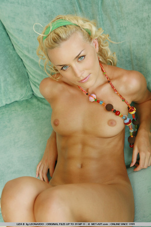 Liza is back as the ageless blonde with  - XXX Dessert - Picture 1