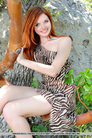 Fresh and youthful beauty with a fiery a - XXX Dessert - Picture 2