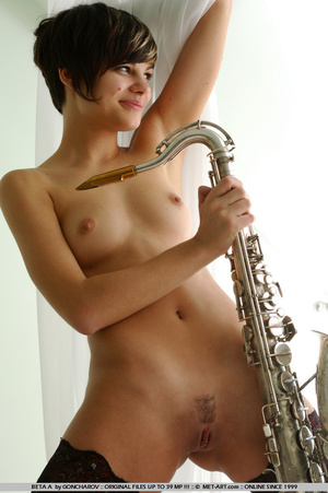 Time to play music with this short haire - XXX Dessert - Picture 18
