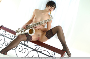 Time to play music with this short haire - XXX Dessert - Picture 20