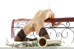 Time to play music with this short haire - XXX Dessert - Picture 21