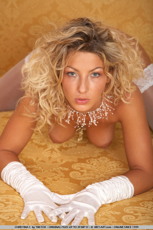 Curly haired blonde exposes her large, h - XXX Dessert - Picture 15