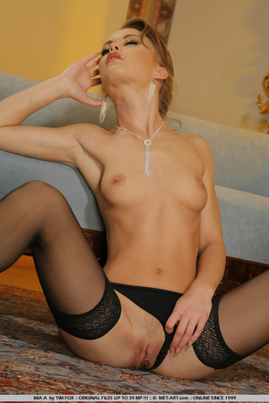Elegant little girl with small precious  - XXX Dessert - Picture 18