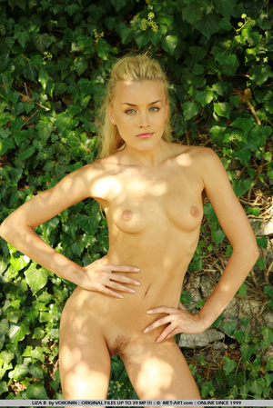 Blonde haired Liza out in the driveway w - XXX Dessert - Picture 7