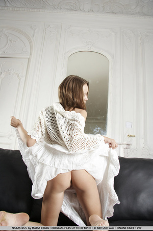 Lifting her white cotton dress reveals h - XXX Dessert - Picture 10