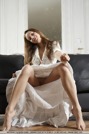 Lifting her white cotton dress reveals h - XXX Dessert - Picture 18
