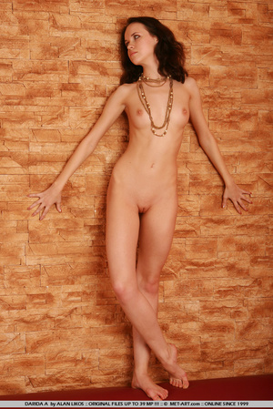 Flexible princess with thick brown hair  - XXX Dessert - Picture 5