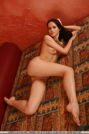 Flexible princess with thick brown hair  - XXX Dessert - Picture 8