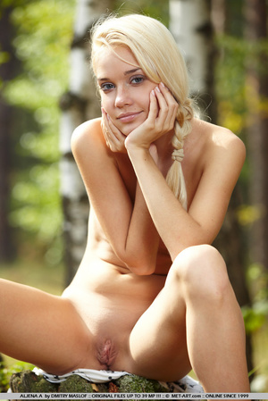 Garden nymph with tiny breasts , blonde  - XXX Dessert - Picture 10