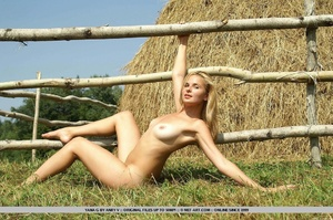 Cheerful and enthusiastic blonde posing  - XXX Dessert - Picture 16