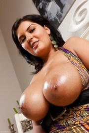 jasmine's huge greasy boobs