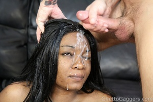 Little ghetto whore Venus gets the powde - XXX Dessert - Picture 14