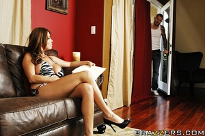 Kianna is helping her son move into his  - XXX Dessert - Picture 7
