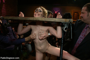 Stunning blonde slave hottie won't forge - XXX Dessert - Picture 2