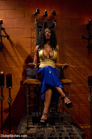Femdom hot pictures of ebony busty babe  - XXX Dessert - Picture 1