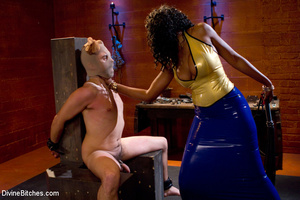 Femdom hot pictures of ebony busty babe  - XXX Dessert - Picture 4