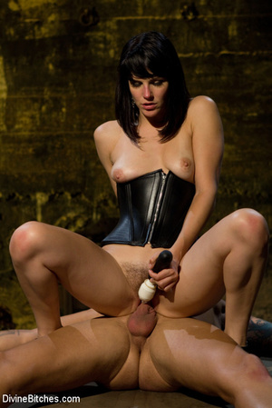 Hairy pussy dominatrix in leather outfit - XXX Dessert - Picture 15