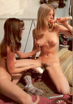 Two hirsute retro lesbian hippies using  - XXX Dessert - Picture 5