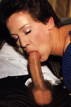 Sexy seventies lady loves two dicks at o - XXX Dessert - Picture 7