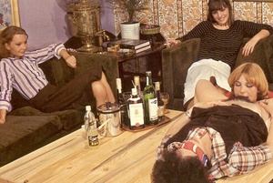 Four hairy seventies lesbians playing di - XXX Dessert - Picture 6