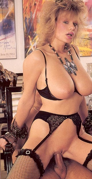 Big titted retro mom loves a big sticky  - XXX Dessert - Picture 12