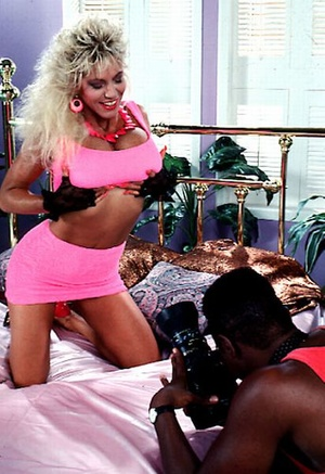 Big titted seventies lady loves a black  - Picture 2